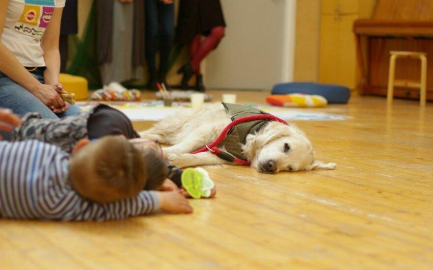 Terapija su šunimis Vilniaus SOS vaikų kaime