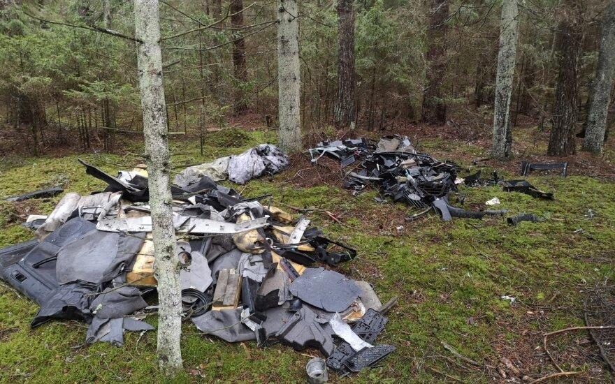 Per miškininkų organizuotą talką surinktos tonos šiukšlių