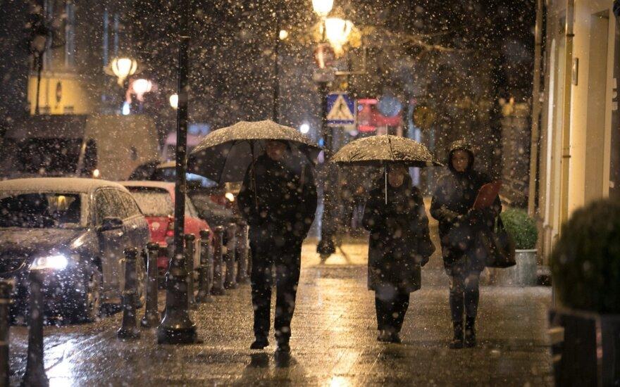 Sinoptikai: laukia permainingi orai