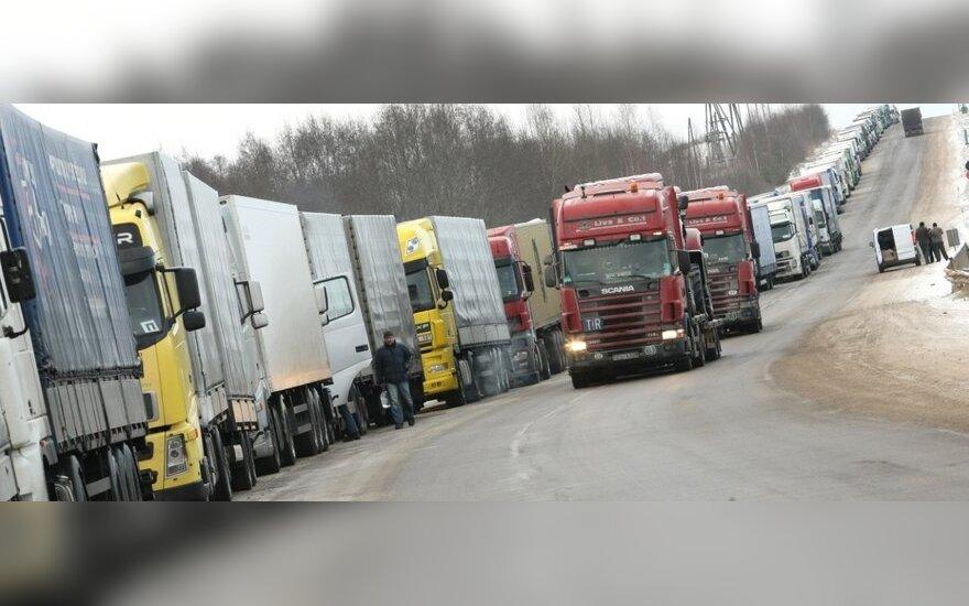 """""""Regitra"""" skelbia, kad gali užregistruoti vežėjų sunkvežimius – pradeda nuo rytojaus"""