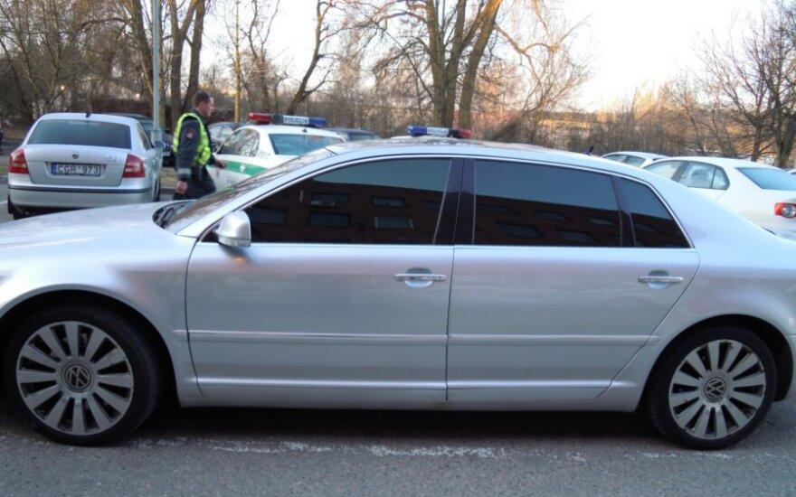VW Phaeton užtamsintais langais