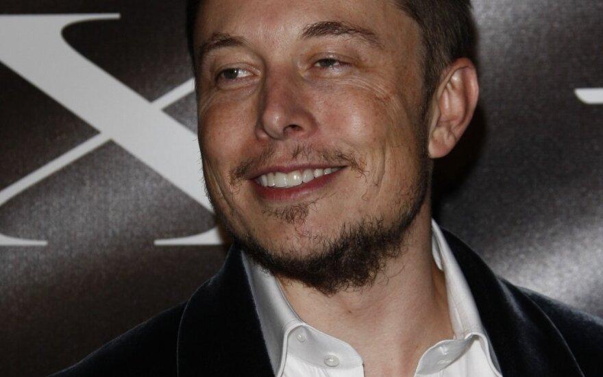 """Norėtumėte įsidarbinti E. Musko įmonėje """"SpaceX"""": darbo pokalbių detalės"""