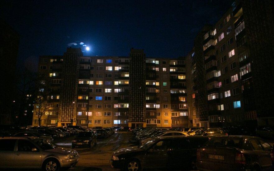 Prieš perkant būstą – naktinis žygis po prastos reputacijos Vilniaus mikrorajoną