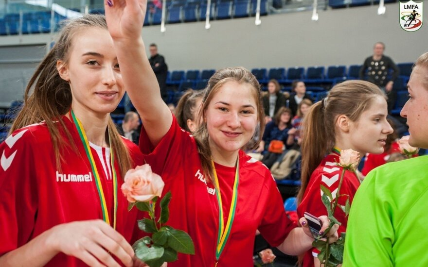 Panevėžietėms – Lietuvos moterų futsal čempionato auksas (LMFA nuotr.)