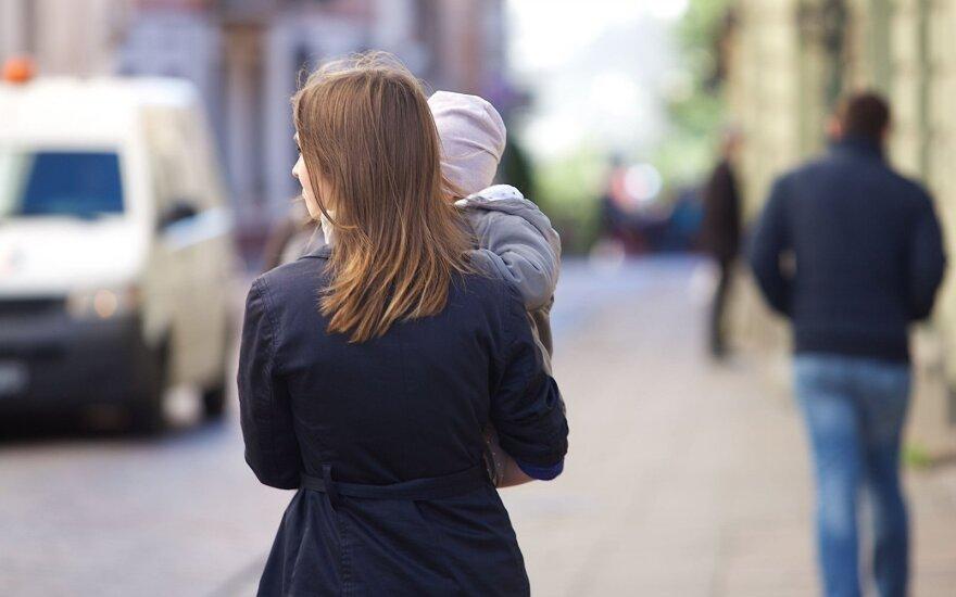 Daugiavaikę motiną pensininkių elgesys sugniuždė: pasigedau žmogiškumo