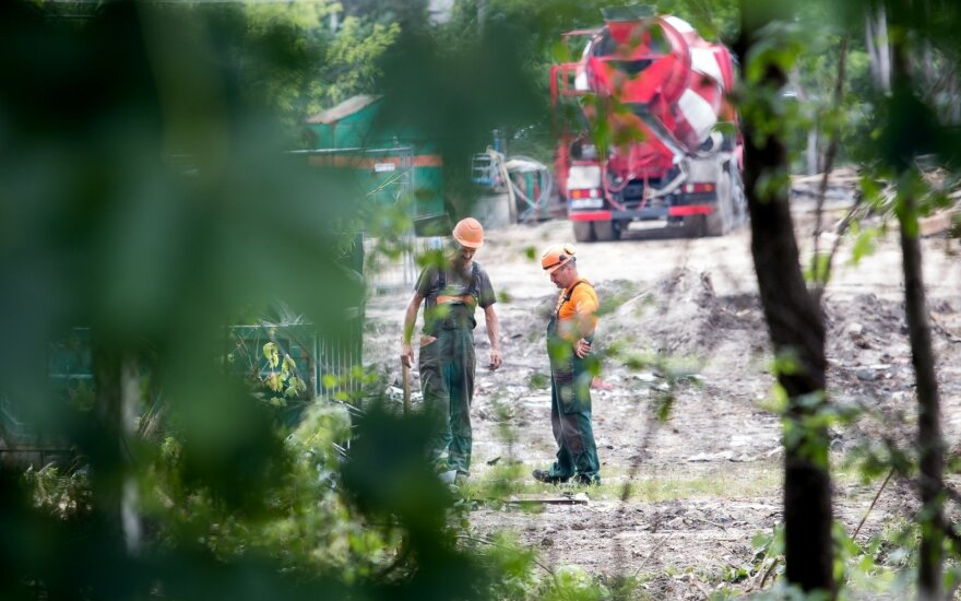 Maždaug trečdalis į Lietuvą dirbti atvykstančių užsieniečių – statybininkai