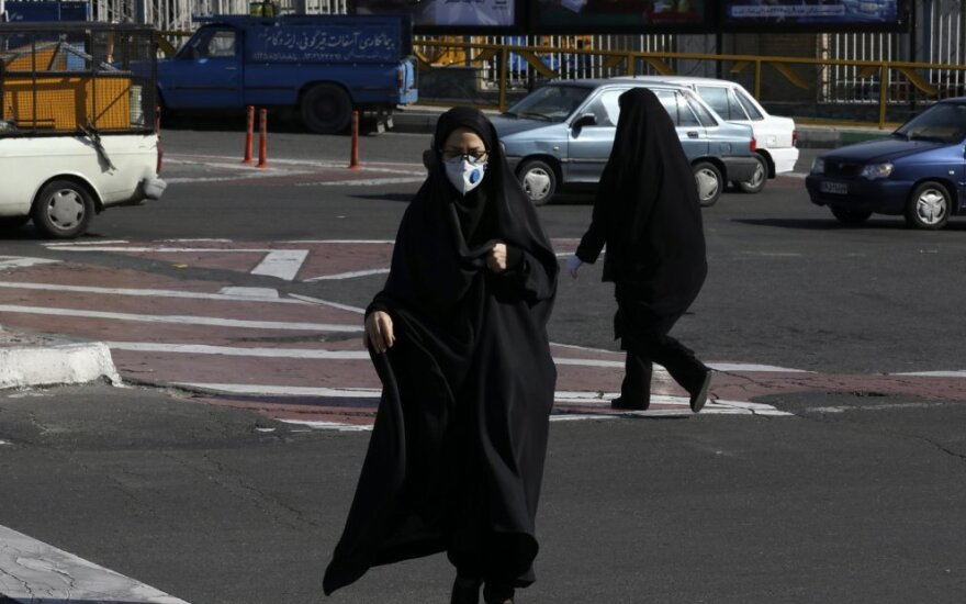 Per parą Irane nuo koronaviruso mirė 157 žmonės, išaiškinta per 2,3 tūkst. naujų atvejų