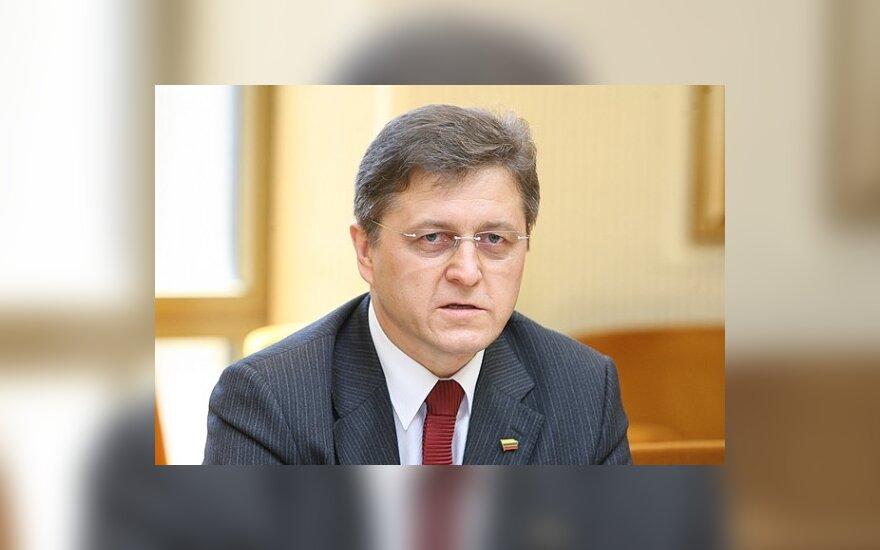 """V.Valkiūnas paliko """"Ąžuolo"""" frakciją ir perėjo į TPP frakciją Seime"""