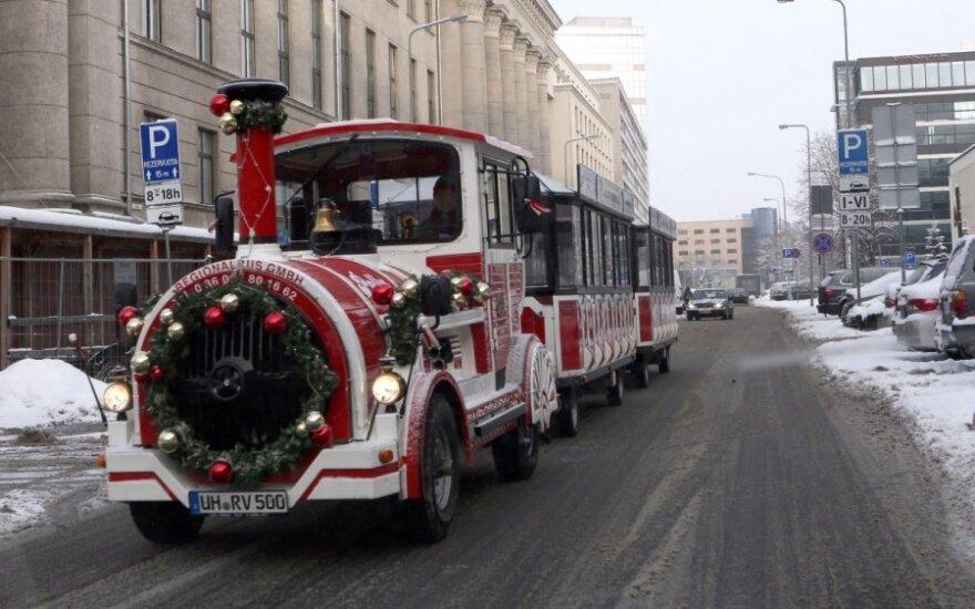 Kelionė po žėrintį Vilniaus senamiestį Kalėdų traukinuku!