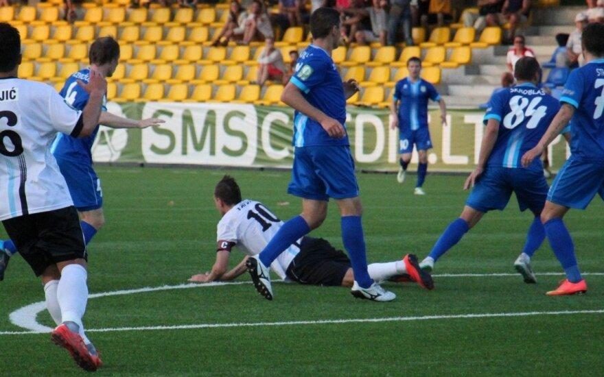 Keturi užsieniečiai teisiami dėl bandymo apgauti Lietuvos sporto klubus