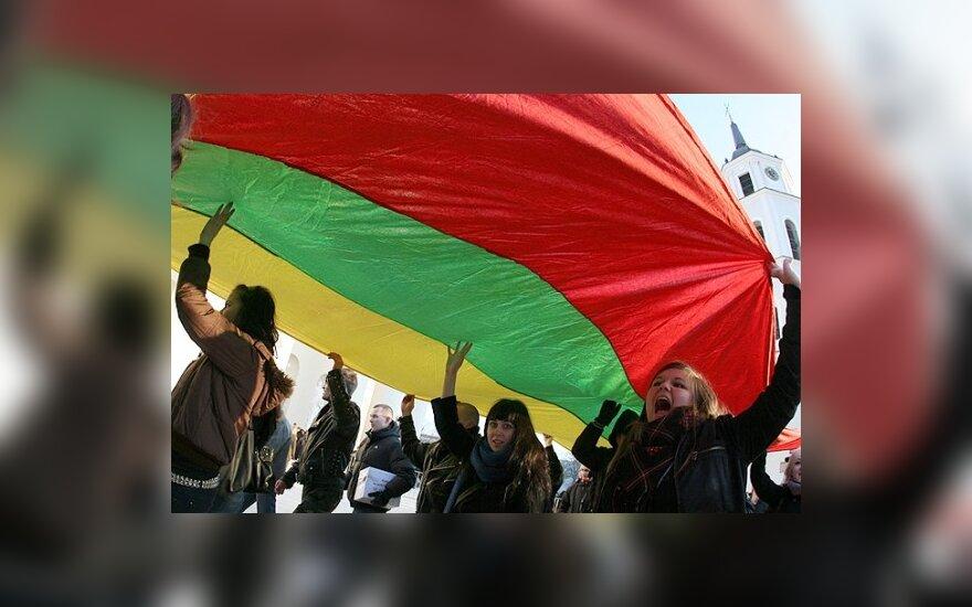 Lietuvos gyventojų skaičius pernai mažėjo sparčiausiai ES