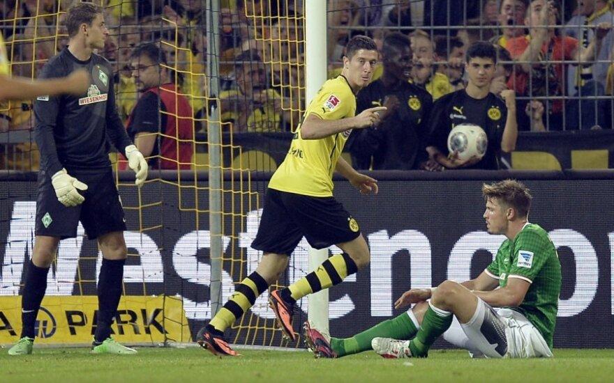 Robertas Lewandowski džiaugiasi įvarčiu