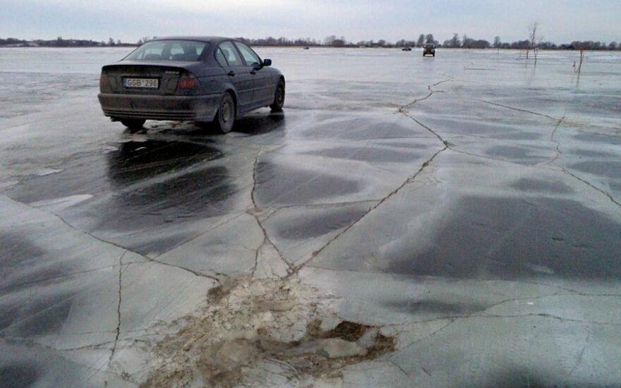 Rusnės ledo kelias- nesaugus