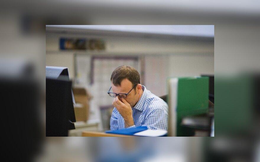 sunkus darbas, viršvalandžiai, biuras