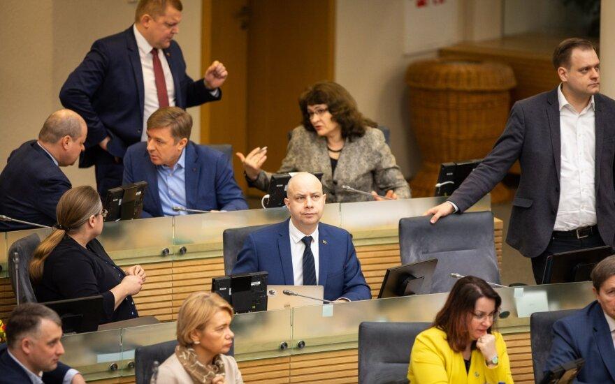 """""""Aplinkosaugine"""" pakrikštyta neeilinė Seimo sesija baigėsi"""