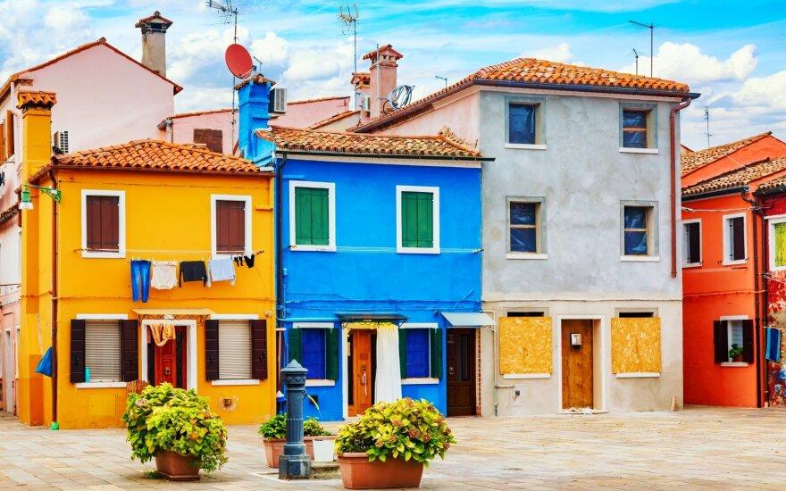 Italijos miestelyje, kuriame nebuvo koronaviruso atvejų, namai pardavinėjami po 1 eurą