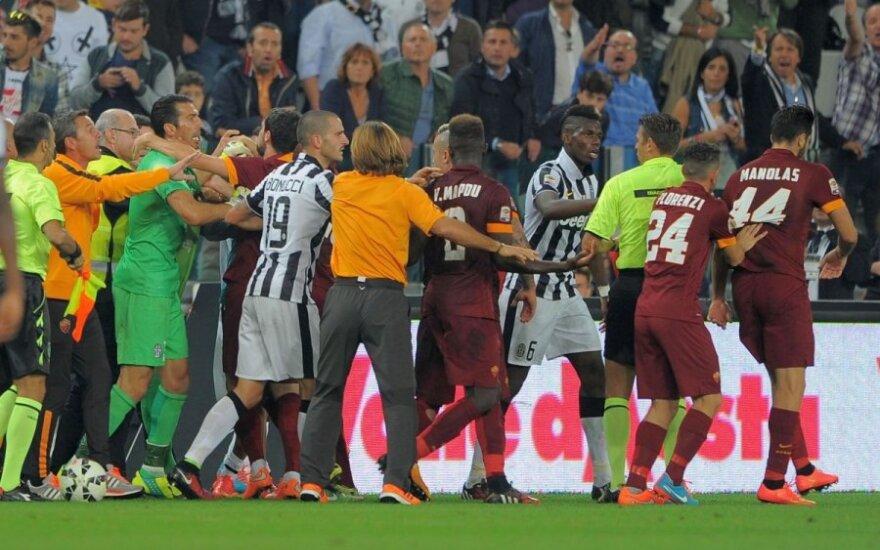 """Turino """"Juventus"""" ir AS """"Roma"""" klubų futbolininkų susistumdymas"""