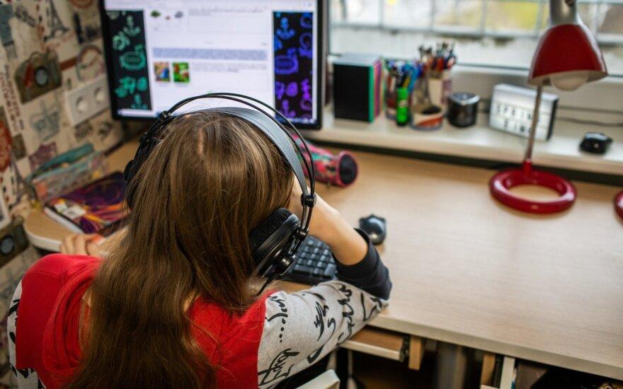 Jei nuotolinis mokymasis pakeis įprastą, turėsime robotukų visuomenę