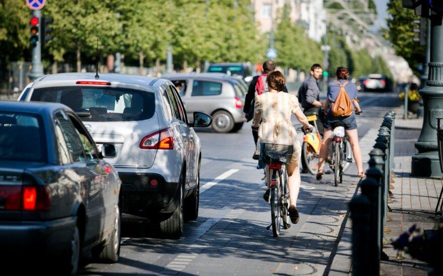 Automobiliai ir dviratininkai