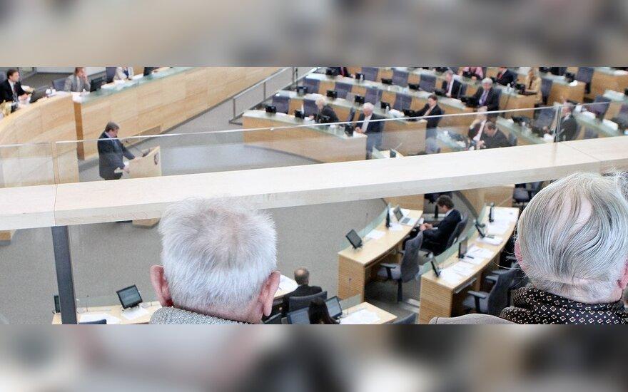 Konservatorių frakcija Seime – už visišką pensijų grąžinimą