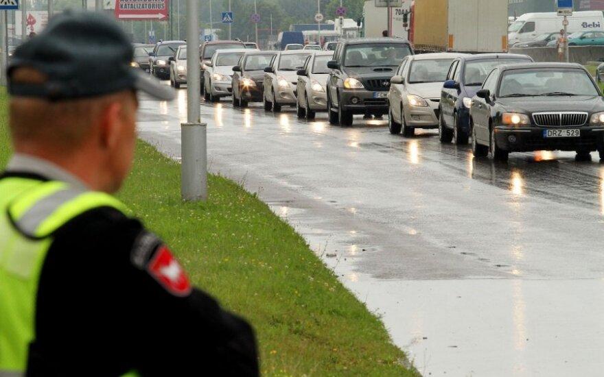 """Kaune pagerintas ilgiausios """"Hyundai"""" automobilių kolonos rekordas"""