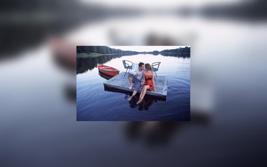 Pora, vyras ir moteris, ežeras, romantika
