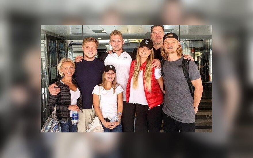 Tautvydas Sabonis (dešinėje) su šeima