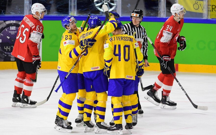 Pasaulio ledo ritulio čempionate švedai įveikė šveicarus