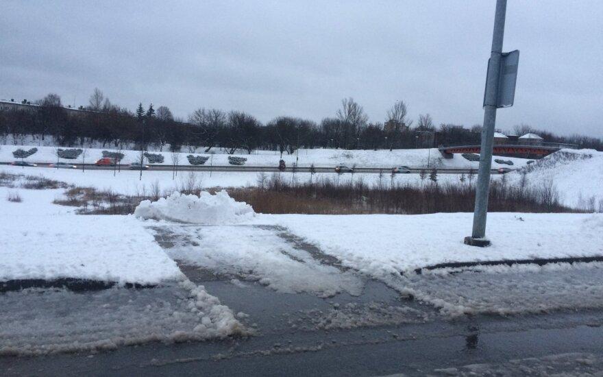 Vilnietį prajuokino sniego valytojų darbo ypatumai