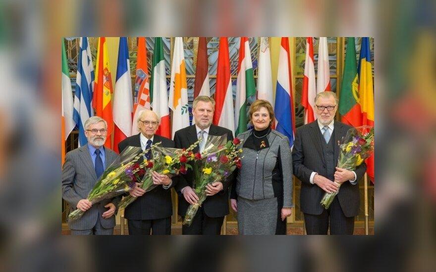 Seime pagerbti Nacionalinės kultūros ir meno premijos laureatai