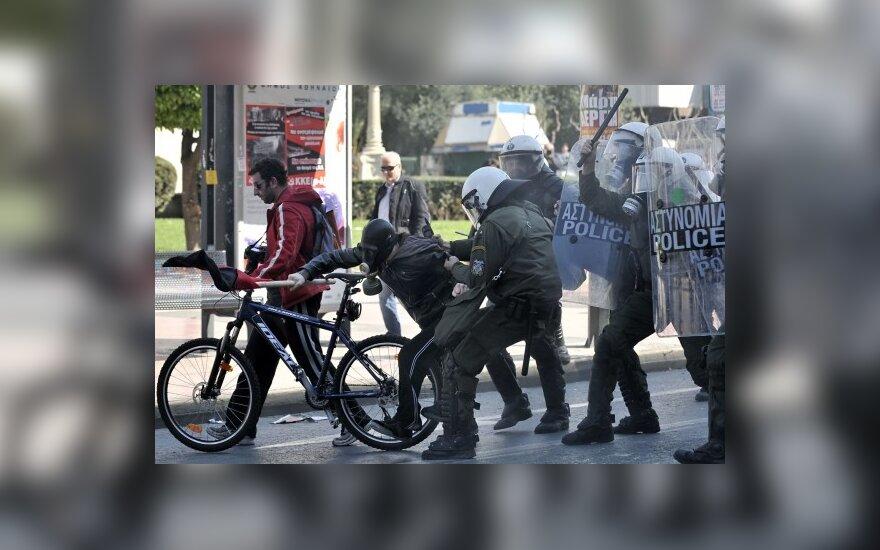 Graikijoje streikas virto riaušėmis