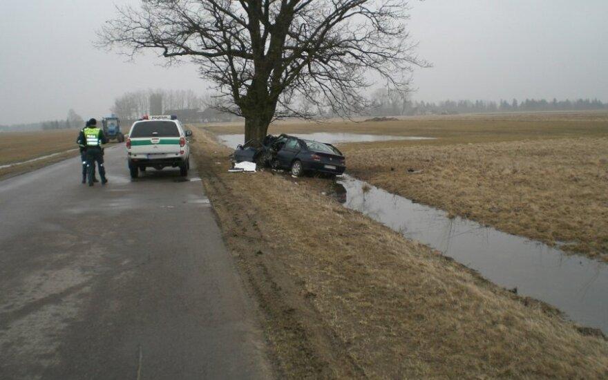 Lietuviai dar neišmoko vairuoti?