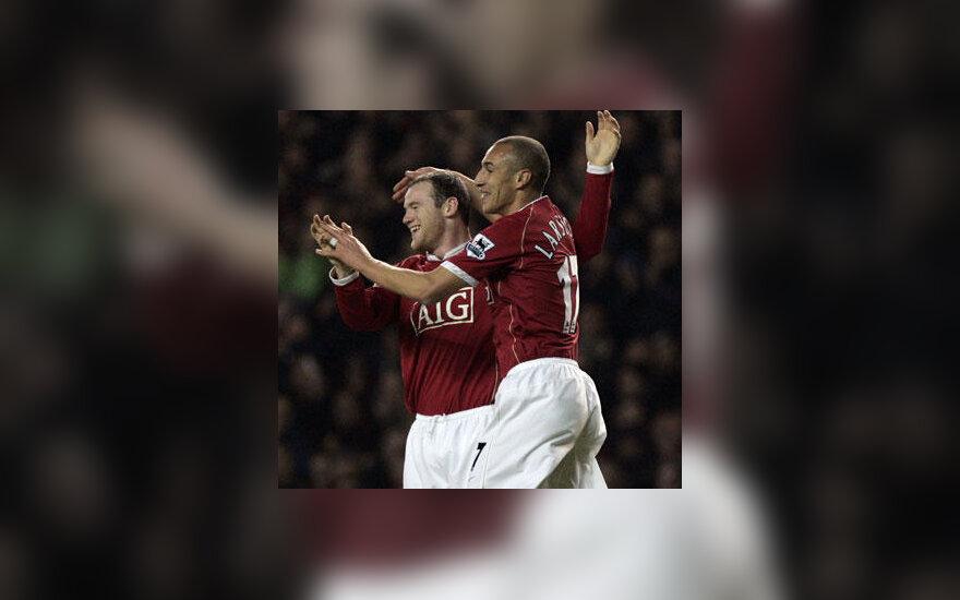 "Wayne'as Rooney ir Henrikas Larssonas (""Manchester United"")"