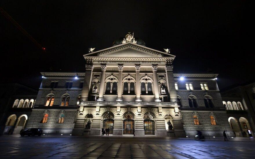 Šveicarija ruošiasi priimti svarbų sprendimą dėl ryšių su ES