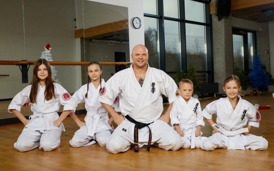 Kristupas Krivickas su vaikais