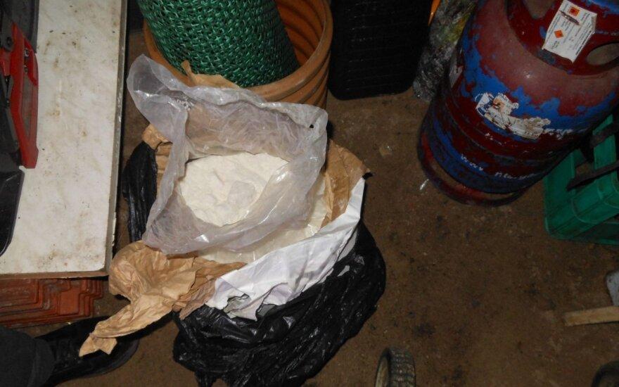 Muitinės kriminalistai atokioje Zarasų rajono sodyboje likvidavo metamfetamino laboratoriją