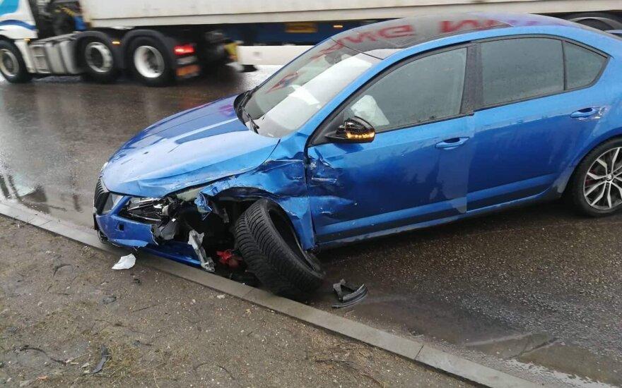 Klaipėdoje po avarijos į ligoninę išvežta besilaukianti moteris