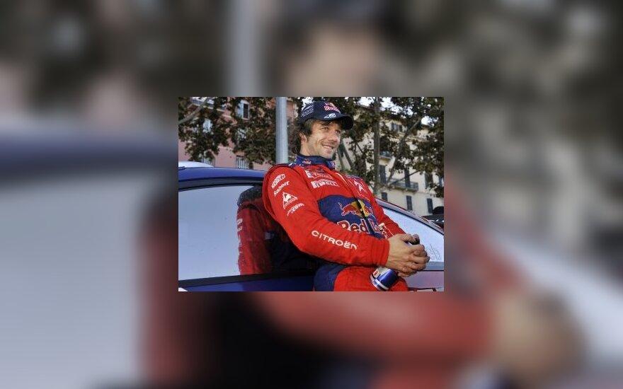 """S.Loebas sės prie """"Formulės-1"""" vairo"""