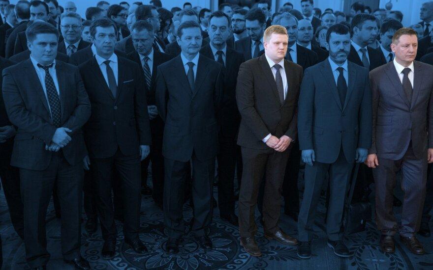 """Išvarytieji rusų """"diplomatai"""" apsišvietė Maskvoje: lietuviams į akis krito keli pažįstami veidai"""