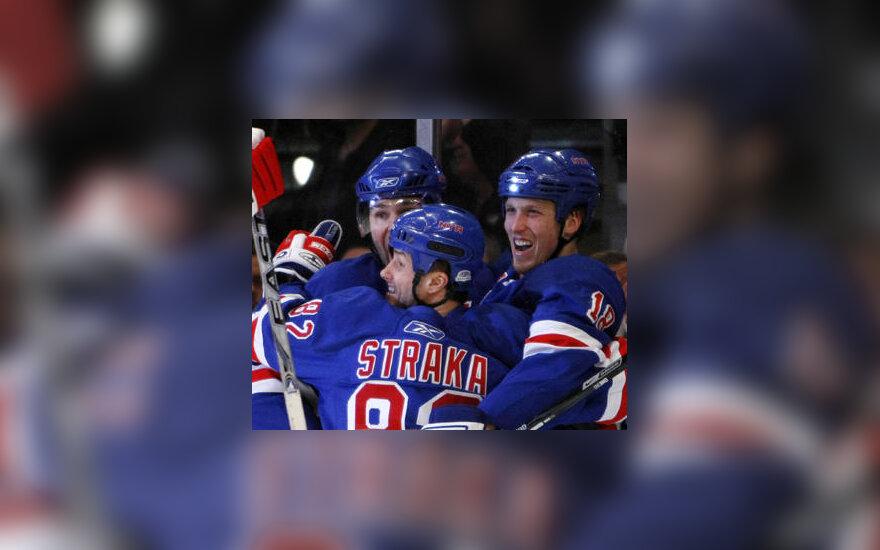 """""""Rangers"""" ledo ritulininkai švenčia įvartį"""