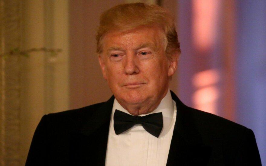 """Trumpas: Iranas """"greitai norės derėtis"""""""