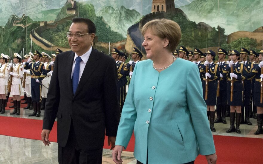 Li Keqiang and Angela Merkel