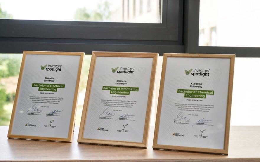 """Klaipėdos universiteto chemijos, elektros ir informatikos inžinerijos studijų programoms suteiktas prestižinis kokybės ženklo apdovanojimas """"Investors' Spotlight"""""""