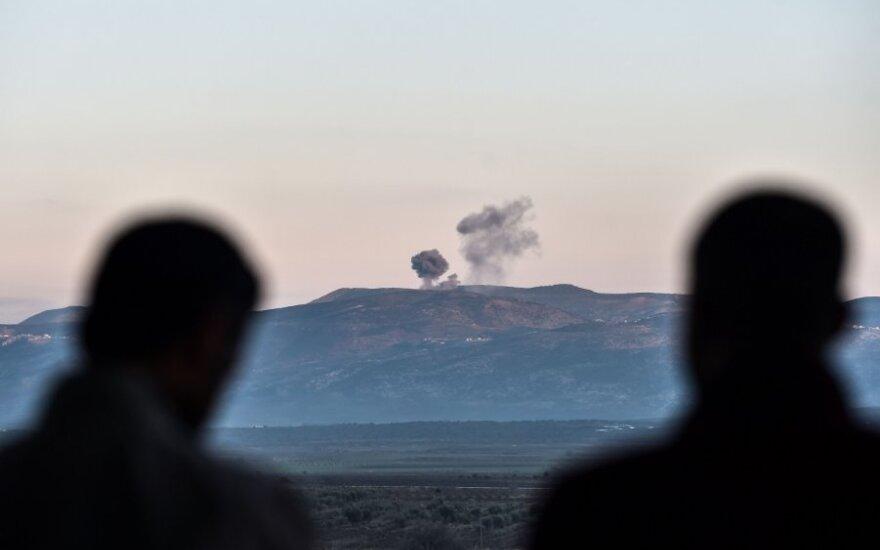 Turkija smogė kurdų kovotojų taikiniams Irako šiaurėje