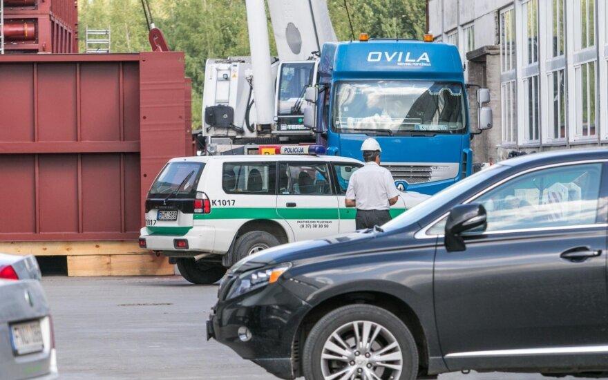 Kaune kranas prispaudė darbininką: vyras žuvo, dar vienas žmogus ligoninėje