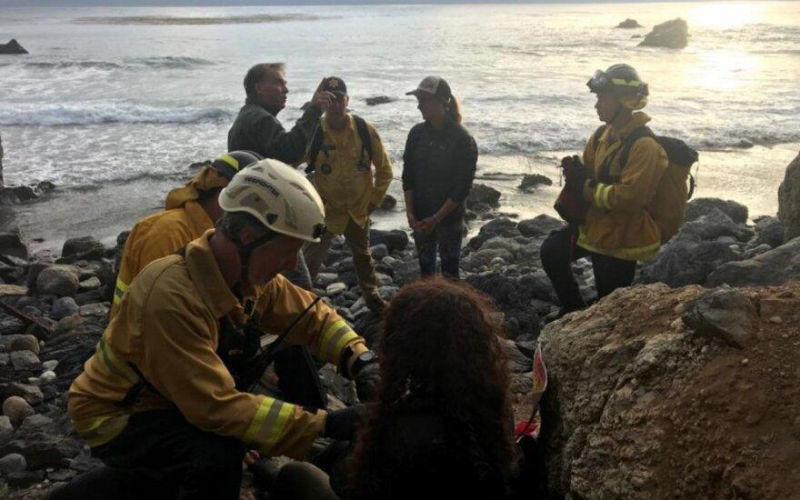 Moteris išgyveno savaitę po skrydžio nuo 60 metrų aukščio uolos