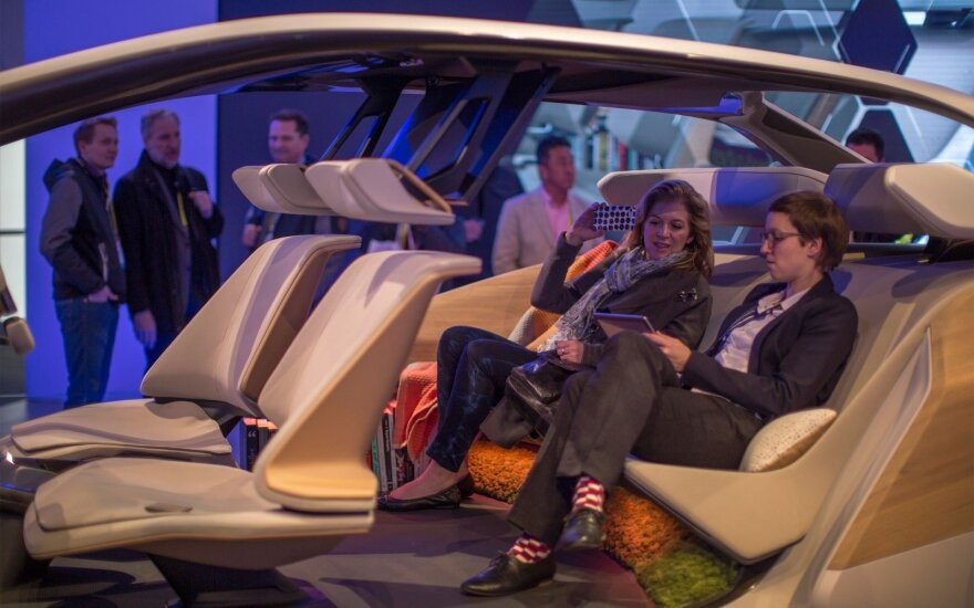 """BMW Inside Future"" salonas"
