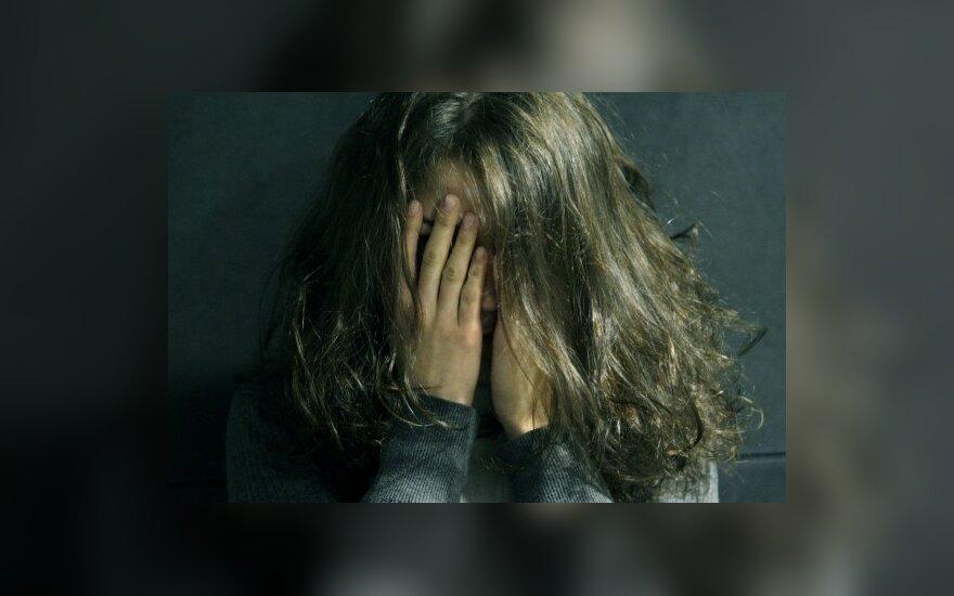 15-mečiai prostitucija užsiima dėl naujo mobilaus ar prabangių drabužių