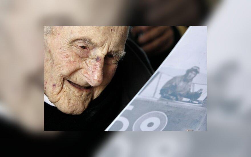 Anglijoje mirė seniausias pasaulio žmogus