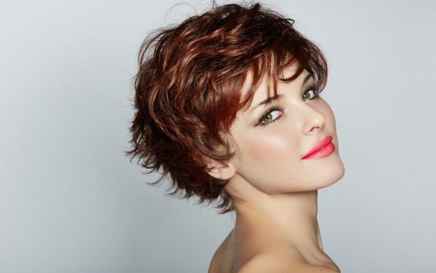 Įvaizdžio dizainerė tikina: šukuosena gali pakeisti gyvenimą